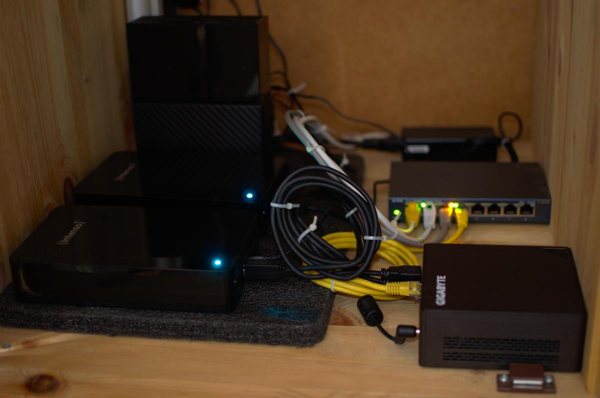GigaByte BRIX GB-BLCE-4105 Homelab