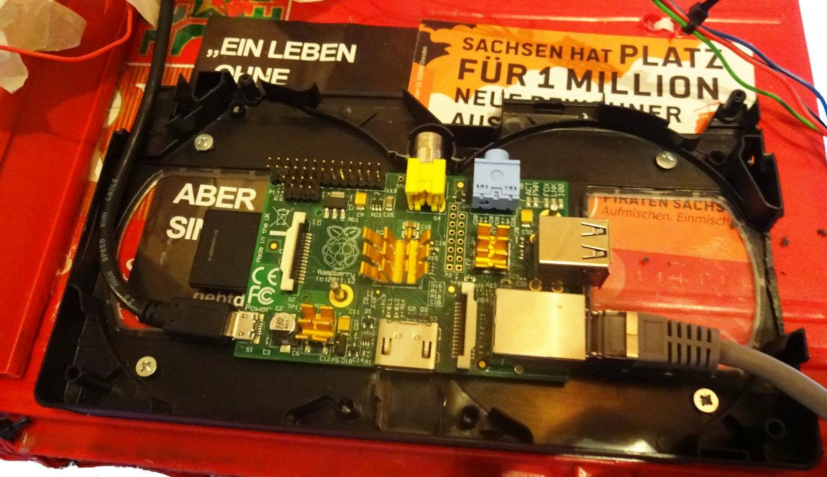 Raspberry Pi in einer Videokassette