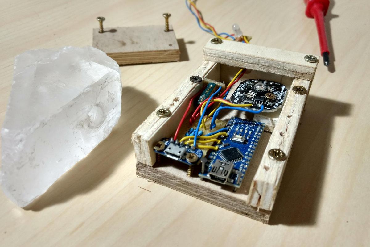 Das geöffnete Chassis um den Arduino