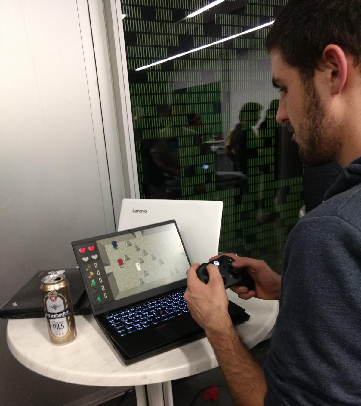 Ein Bild von mir, wie ich SleepDungeon mit einem Controller spiele